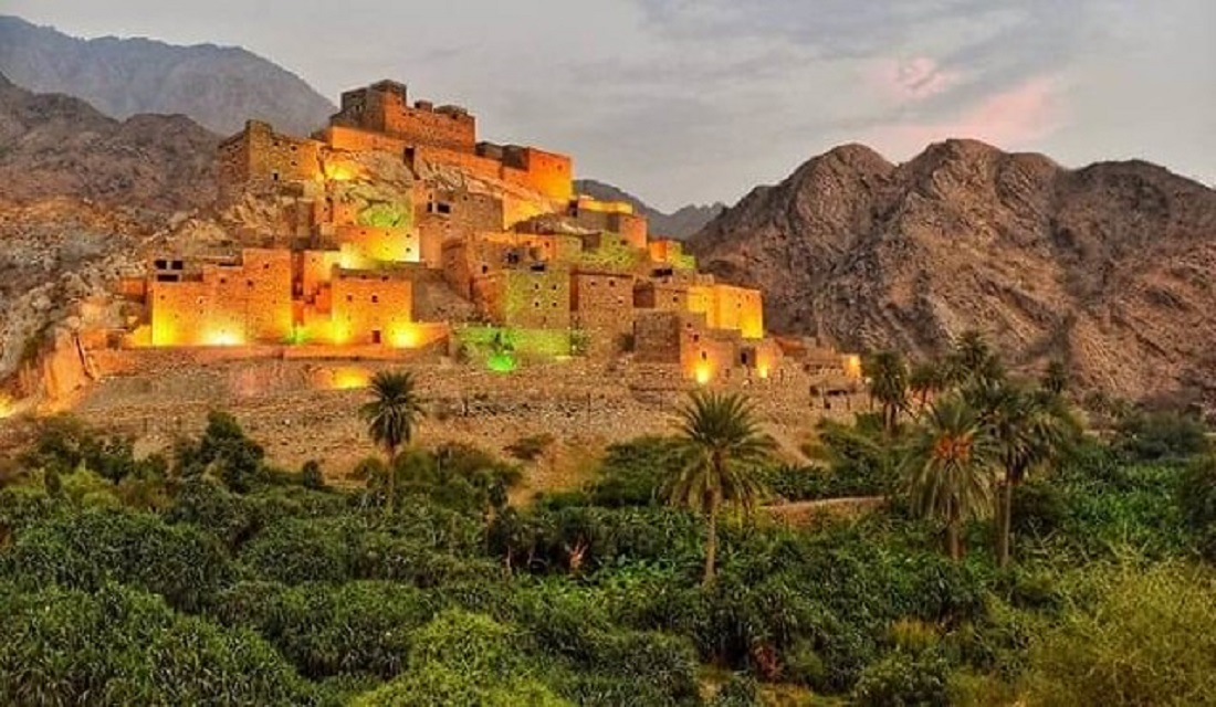 5 Incredible Places to Visit in Saudi Arabia & Explore