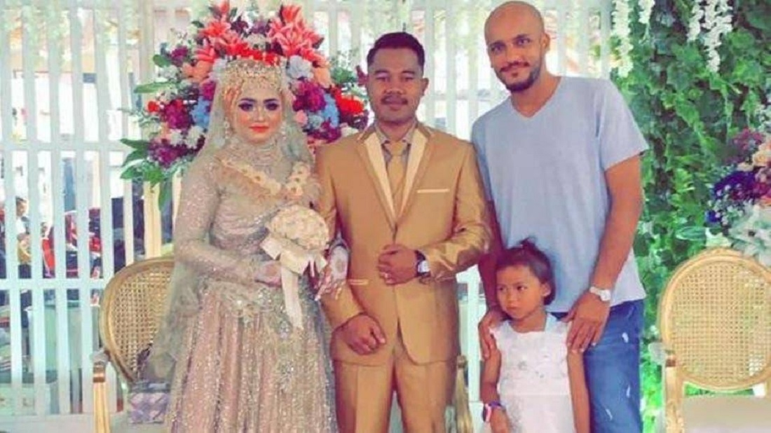 Saudi man attends the Marriage Ceremony of the Indonesian's Maid Daughter
