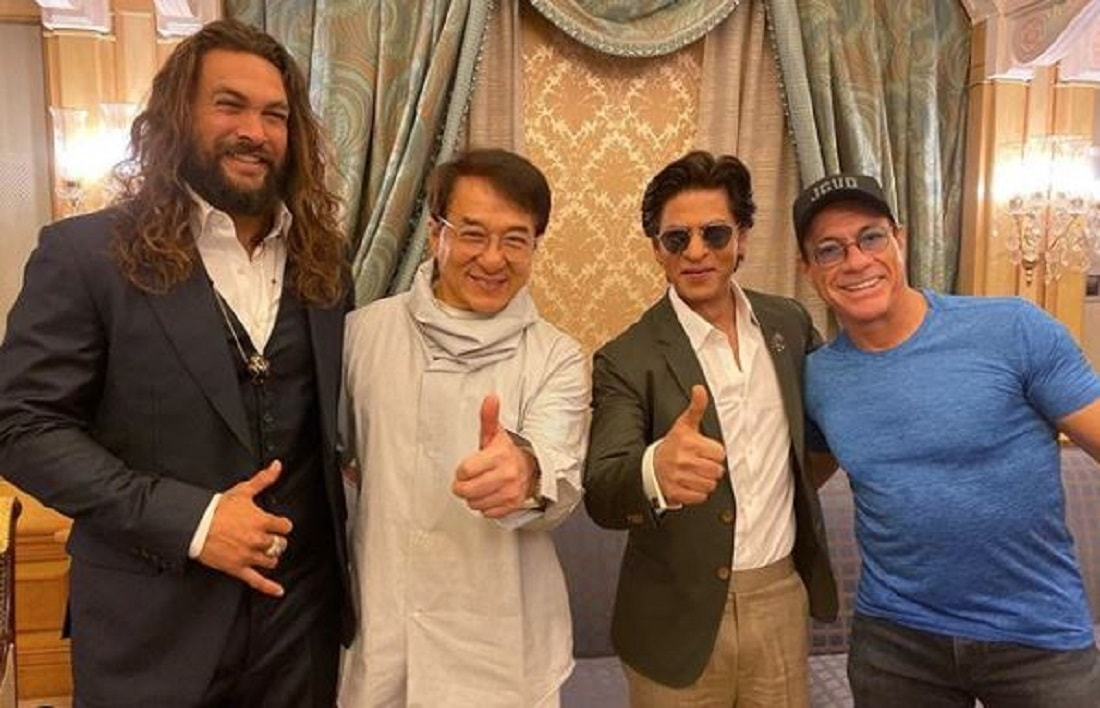 Bollywood Star Shahrukh khan meets his hero's in Saudi Arabia
