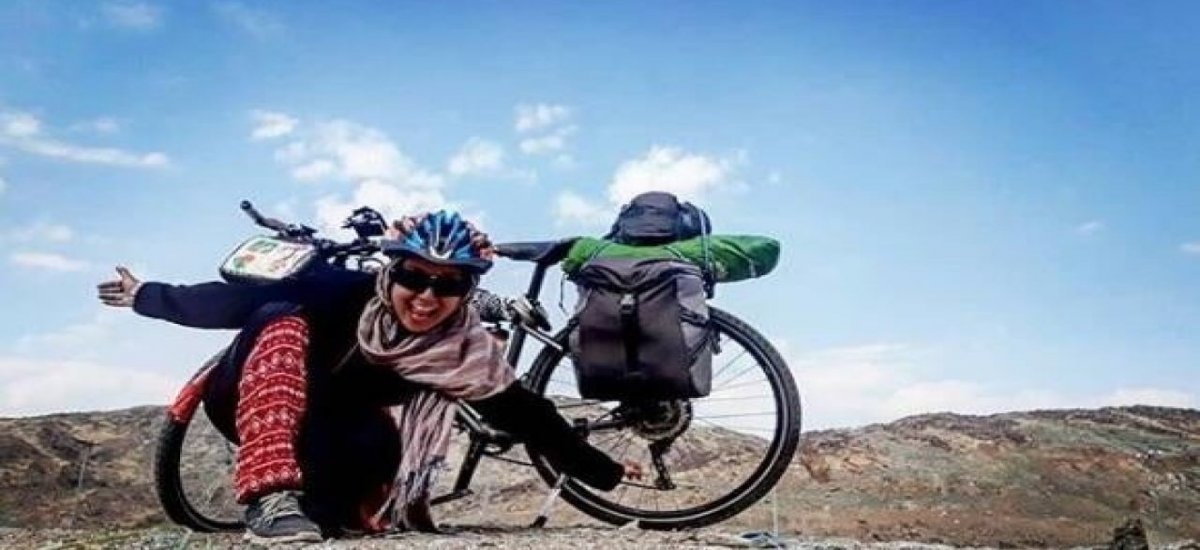 Tunisian Girl becomes the first woman to reach Makkah on a Bicycle